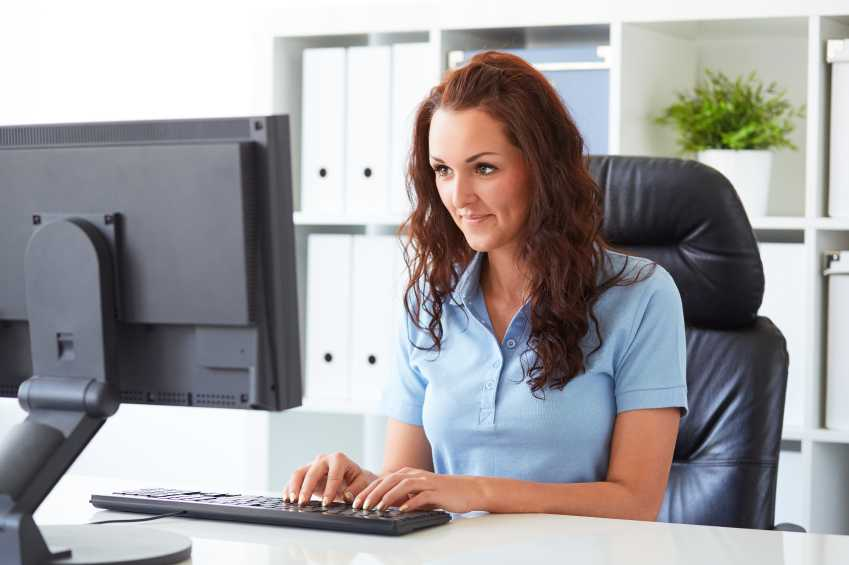 virtual-assistant-blue-shirt-girl-smiling-minified